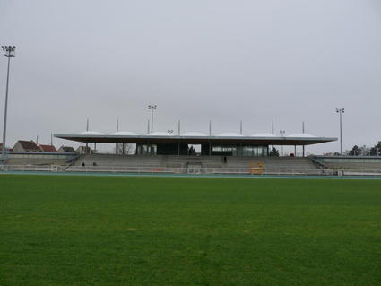 Couverture tribunes de stade de footbal ou de stade de rugby en toile tendue transparente ou pas par ACS Production - Groupe BHD